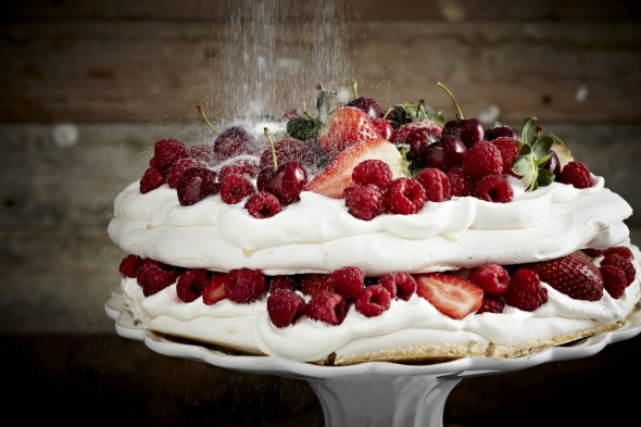 Image for 'Winter berry pavlova'